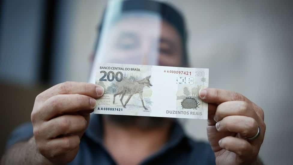 A nota de R$ 200 tem o mesmo formato da nota de R$ 20
