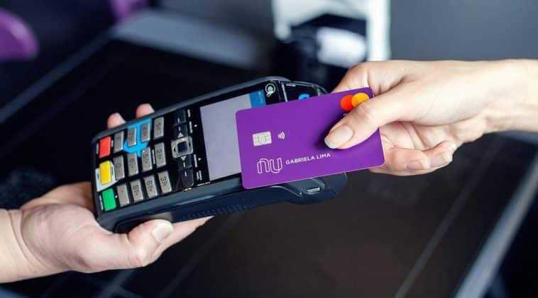 Pagamento por aproximação usando o cartão