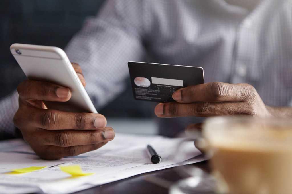 Quais as vantagens de pagar conta com cartão de crédito?
