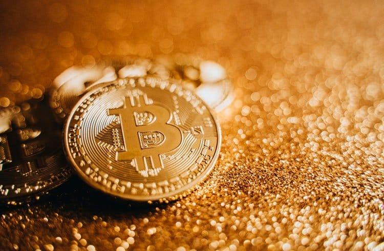 O que é Bitcoin, a moeda virtual, conhecida como criptomoeda que estão em alta no mundo digital e financeiro.